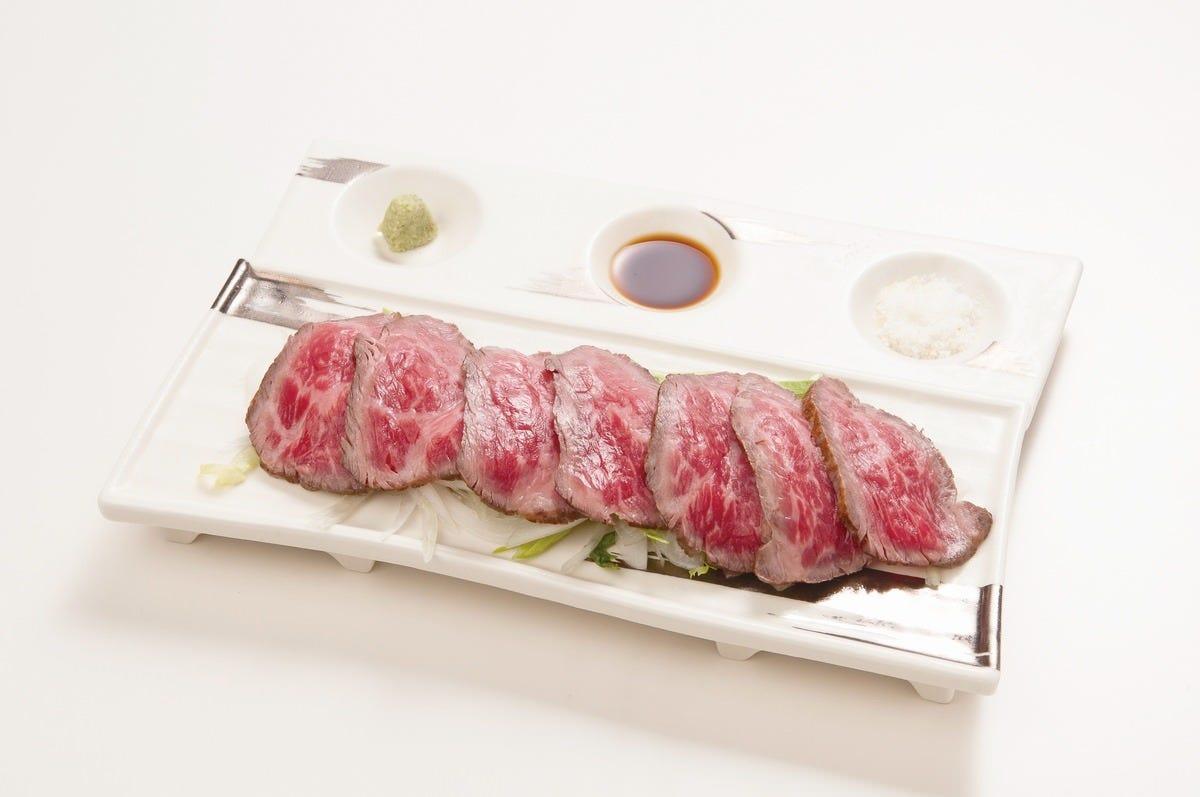 能登牛ローストビーフ 肉料理も多数ご用意!!