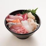 ミニ丼(みそ汁・ミニサラダ付)