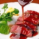 お肉料理には、群馬県産の上州和牛を厳選使用