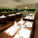 テーブル席(2~4名様×9テーブル)
