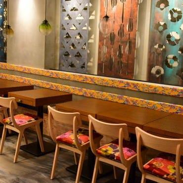 沖縄小皿料理 愛しのチャンプルー  店内の画像