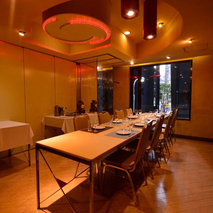 テーブル席・完全個室(壁・扉あり)・12名様~16名様