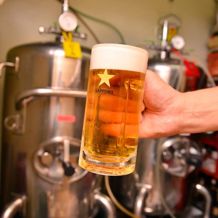 工場から巨大タンクのまま直送される特別な生ビールの味は格別!