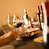 二人の思い出となるひとときのお側には串かつとワインで