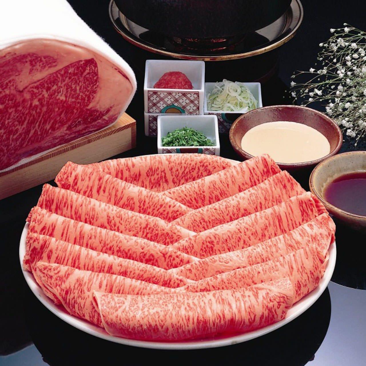 厳選された上質のお肉を秘伝のごまだれと一緒にご堪能ください。