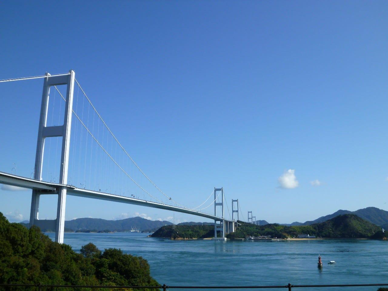 【贅沢時間】大きな窓からの来島海峡