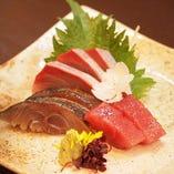 冷凍ものは使わず新鮮な旬魚のお造りが自慢です。