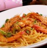 天使の海老と季節野菜のトマトクリームスパゲティ