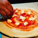 ピッツァやパンも! 手作り中心のメニュー