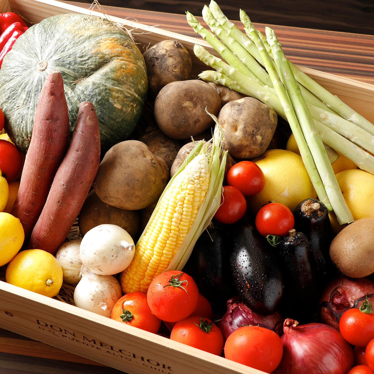 産地にこだわった新鮮野菜を目にも口にも美味しく仕上げます◎
