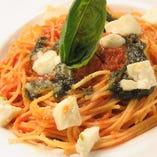 平日ランチ ☆モッツァレラチーズとトマト、バジルのスパゲッティ