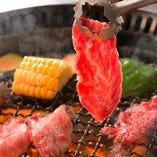職人が1枚1枚丁寧に手切り!肉の部位に合った最も美味しい状態でお召し上がりいただけます