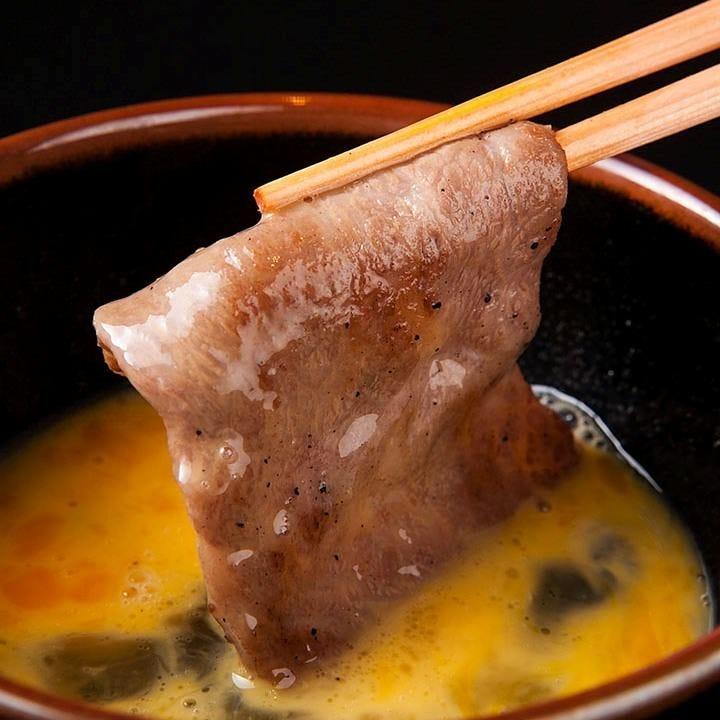口の中でお肉がとろける絶品ざぶとんの焼きすき