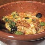 イタリア、マンマの味。豚肉とオリーブのトマト煮込み