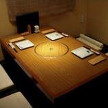 お座敷は、個室に区切られております。