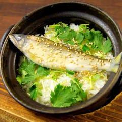 土鍋炊き鮎のご飯