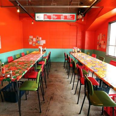 墨国回転鶏料理 福島高架下店  店内の画像