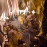 【ライブ感が最高】かご焼きは鼻に抜ける炭の香りが最高