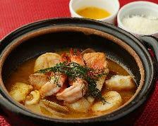 天然鮮魚のみを使った魚料理が自慢