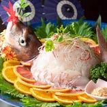 【活旬の魚中華刺身】 鮮度抜群の魚介をサラダ間隔で楽しめます