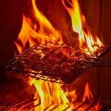 【炭火焼き】 長年の経験で絶妙な火加減を見極めて仕上げます
