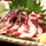 鯨鹿の子肉刺身