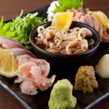 【鮮度が命】 新鮮な鶏肉を楽しめる鶏刺しをご堪能ください