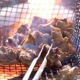 【自慢のバラ焼き】 ジューシーな肉汁溢れる鶏肉をお楽しみ下さい