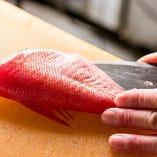 魚を知り尽くしたベテランの料理人が絶品の魚料理をご提供