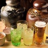 飲み放題メニューは20品以上!ビールはもちろん、沖縄パイナップルサワーやさんぴん茶など沖縄ドリンクも満喫できます