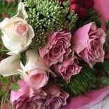 記念日に素敵なサプライズ!花束付コースをご用意しております