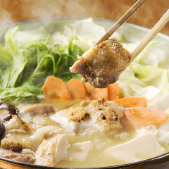 濃厚スープが自慢のコラーゲンたっぷり水炊き鍋
