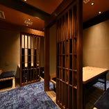 本館は和モダンで落ち着いた空間。