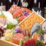 生鮮朝獲れ新鮮鮮魚を使用した料理【生鮮朝獲れ新鮮鮮魚を使用した料理】