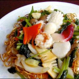 三鮮炒麺 Fried noodles with seafoods & vegetables