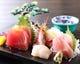 小田原港・真鶴港に近いので新鮮な魚介もご用意しています。
