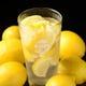 【最強レモンサワー】 凍結レモンがどっさり入った最強サワー!