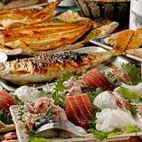1人1皿の刺身5点盛りが豪華!焼き魚が主役の2時間飲み放題コース