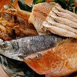 ひもののほか玄界灘の漁師さんから届く新鮮な魚もおすすめです