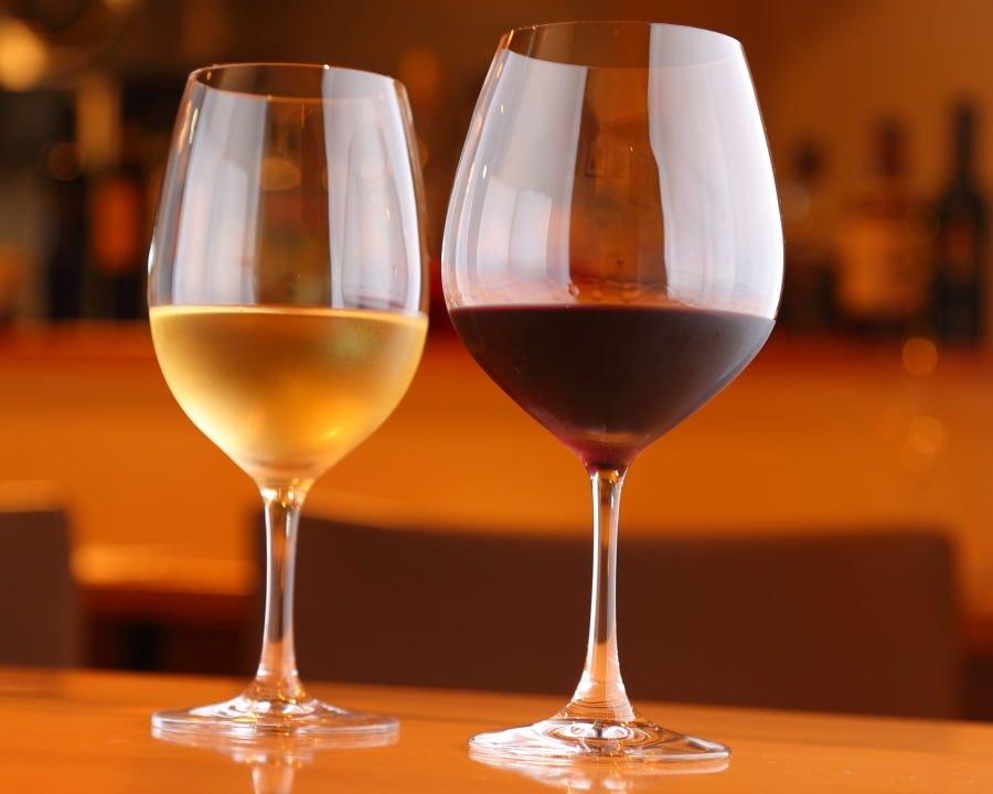 イタリアワインを中心に常時50種