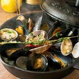 ふっくらムール貝の香味白ワイン蒸し