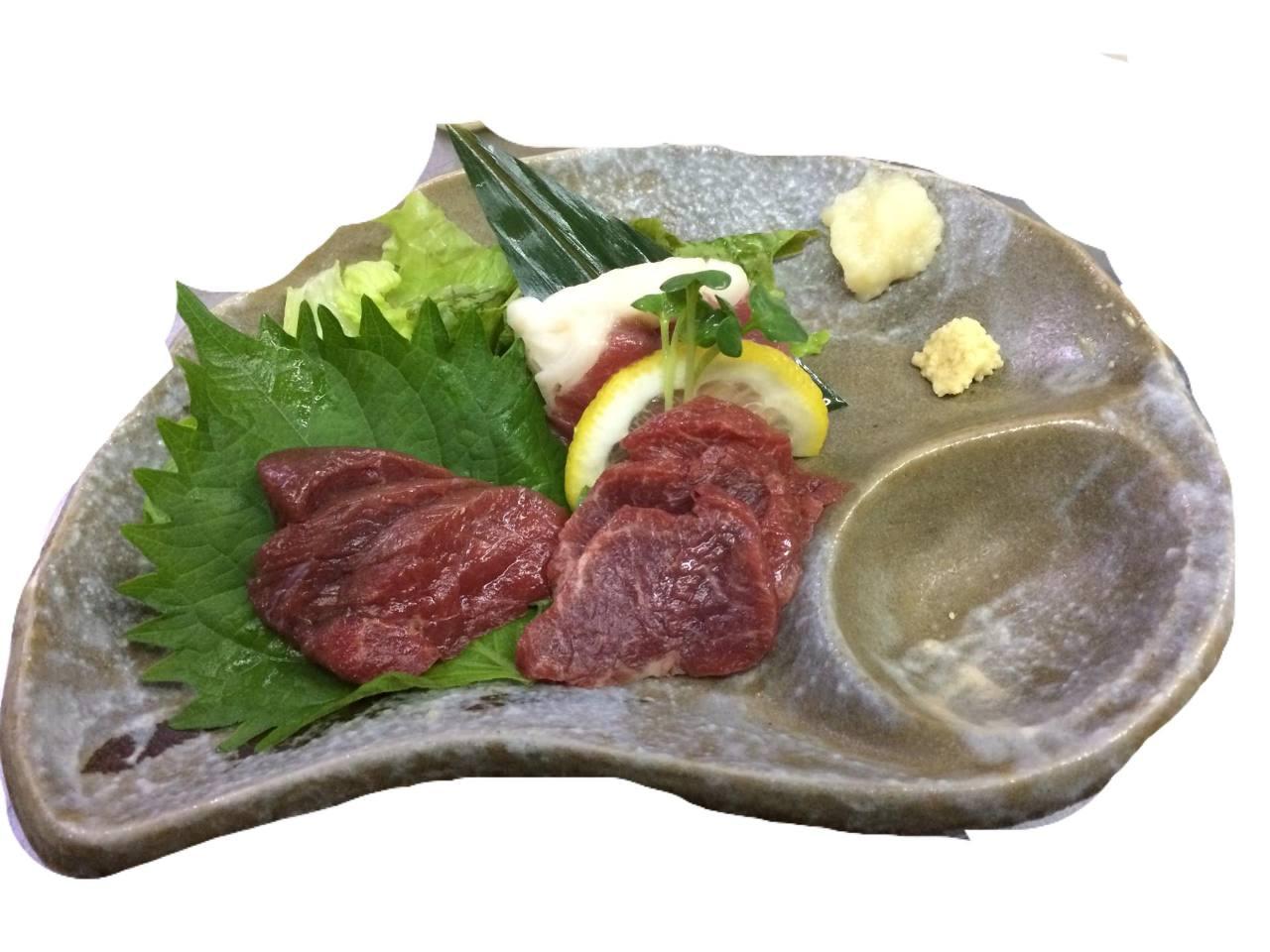 馬刺し 4種 おろしニンニクつけて甘い九州醤油で!!