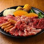 『ファミリーセット』ロース・カルビ・ハラミ・豚バラ・鳥もも・ウィンナー・焼野菜盛り