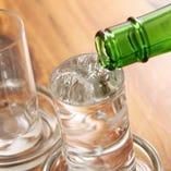 お刺身に合う地酒も旬に合わせてご用意。宴会のお供にどうぞ。