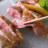 国産牛リブロースステーキは、ワサビをつけても美味