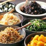 和食を中心に毎日食べても飽きないのがテーマ! バランス良く一食で30品目に挑戦してください!