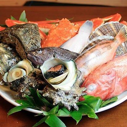 職人の確かな目利きで選ぶ魚介