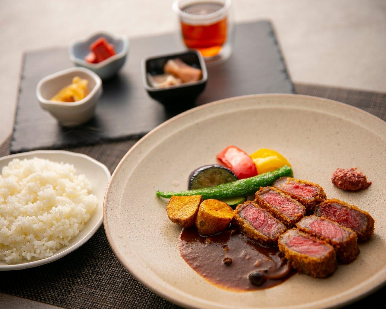 和牛ビフカツ・前菜・スープ付、炊き立てご飯と相性バツグン!!