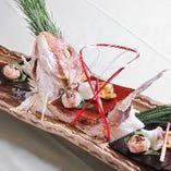 華やかな主皿が並ぶ「祝いの宴コース」は七五三や記念日にも最適
