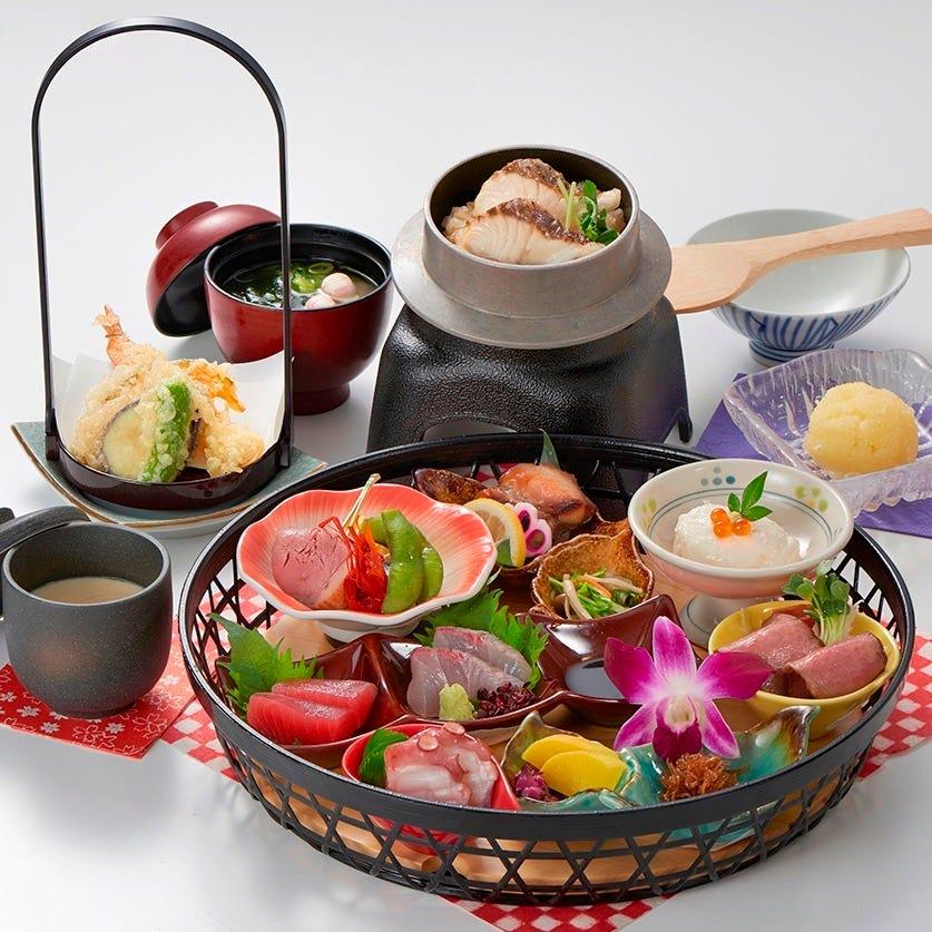 花篭御膳  お祝い事や女子会にぴったりの華やかな御膳です。